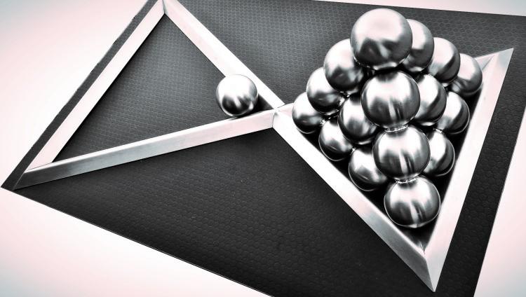Piramida podwójna -Układanka Logiczna